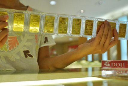 Giá vàng tiếp tục neo trên 39 triệu đồng/lượng